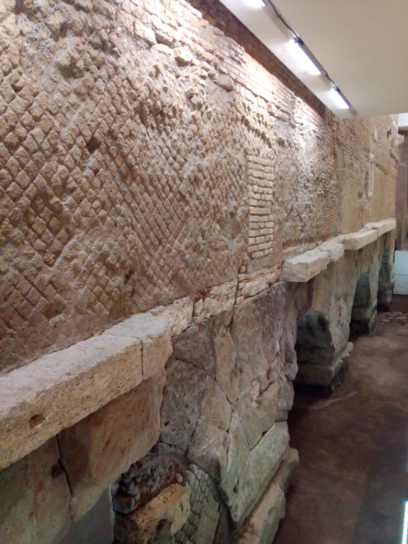 THE-ACQUEDUCT-OF-THE-VIRGIN:-ARCHEOLOGY-UNDERNEATH-THE-MALL